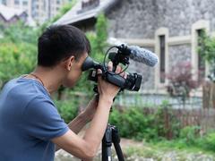 索尼AX700摄像机 让纪录片拍摄更简单