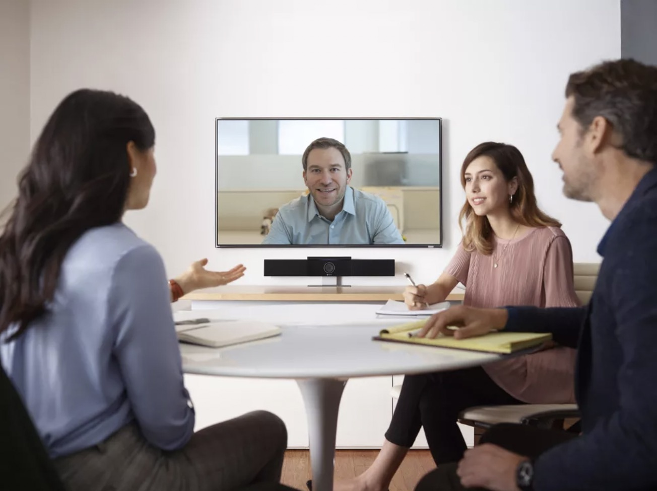Hi, 您的Polycom Studio 智能USB音视频会议神器已上线!